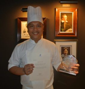 i8tonite with Yangon, Myanmar's Merlion Cuisine Chef Darren Lim & Confinement Soup Recipe